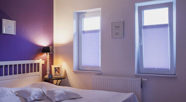 plissee hochwertig ob plissee duett rollo doppelrollo jalousie oder shutter wir finden die. Black Bedroom Furniture Sets. Home Design Ideas